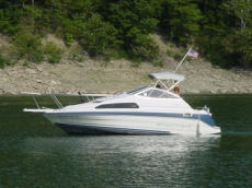1990 Bayliner 2255 Ciera Sunbridge http://boatspec.com/2009/04/19/bayliner-2255-ciera-sunbridge-specifications/